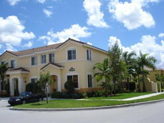 Cozy Two Storey Town Home 5 bedrooms 3 full bathrooms - Hialeah vacation rentals
