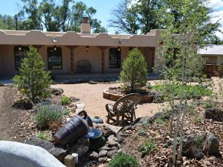 Casa Milagro - luxurious comfort near the Taos Plaza - New Mexico vacation rentals