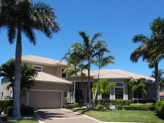 Fabulous 4/3.5 home with wide water view-SNOW190 - Marco Island vacation rentals