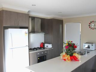 VILLANDRY Melbourne - Large Home Ideal for Groups - Victoria vacation rentals