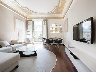 B240 NEW STYLISH EL BORNE APARTMENT - Barcelona vacation rentals