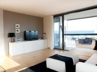 B400 SWIMMING POOL BEACH SEA VIEW - Barcelona vacation rentals