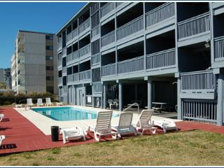 2BR oceanfront w/ pool, near Barefoot Landing/golf - Myrtle Beach vacation rentals