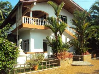 Luxurious Villa in the outskirt of the Harbour City Beruwela on the Westcoast of Sri Lanka - Beruwala vacation rentals