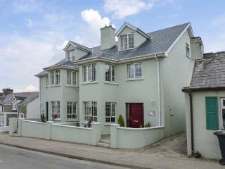 SURIFINA, family-friendly cottage, close to beach, in popular town of Duncannon, Ref 26995 - Duncannon vacation rentals