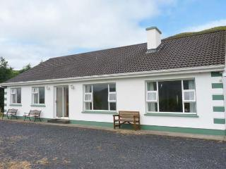 RADHARC AN OILEAN, detached, all ground floor, ample off road parking, in Maam Cross, Ref. 27842 - Maam Cross vacation rentals