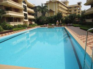 18) 2 BEDROOM APARTMENT REGAL PALMS CANDOLIM - Arpora vacation rentals
