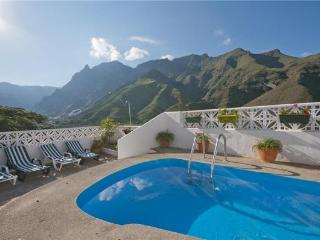 Holiday house for 6 persons, with swimming pool , in Agaete - La Palma vacation rentals