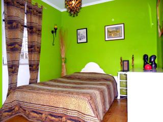B&B Green Room African Style - Torres Vedras vacation rentals