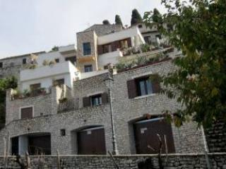 Medieval stone Court - near Rome - free pool. - Sermoneta vacation rentals