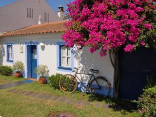 A casinha. Quarto 1 - Centro Region vacation rentals