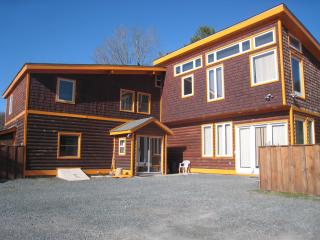 Large Private House Sleeps 24(30 w/extra 2BED Apt) - Hunter vacation rentals