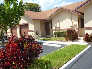 Lovely Villa  in Sunrise Close to Sawgrass Mall - Sunrise vacation rentals