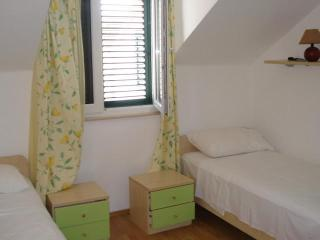 Apartment Ruzmarin - Milna vacation rentals