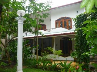 Dionis Villa -  The Karma Apartment - Unawatuna vacation rentals