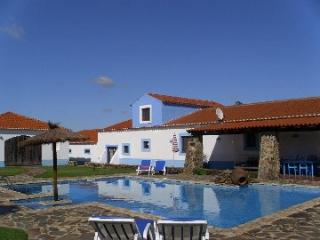 Beautiful cottage, with large pool, peaceful area! - Alentejo vacation rentals