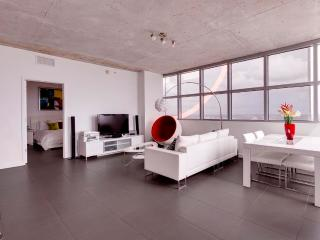 Luxurious 2 Bedroom Apartment with Panoramic Views in Midtown - Miami vacation rentals