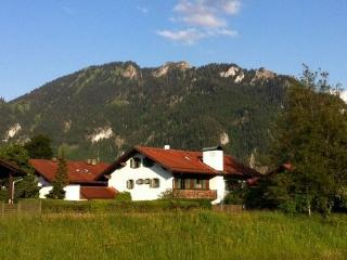 Vacation Apartment in Oberammergau - 280 sqft, Central, quiet location, bright, cozy furnished (# 4259) - Bavarian Alps vacation rentals