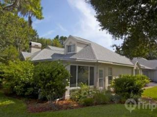 Extremely Tranquil Sun City Center 2 Bedroom, 2 Bath Luxury Villa & Golfer's Retreat (Pets are welcome!) - ONE MONTH MINIMUM STA - Longboat Key vacation rentals