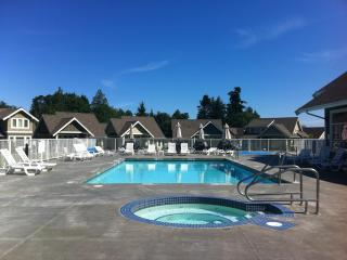 A Warm Welcome to Our Beautiful, Sweet Escape! - Qualicum Beach vacation rentals