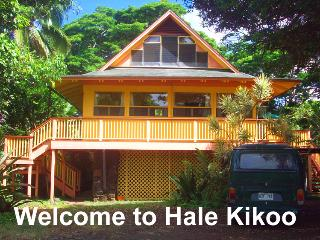 Walk to Beach from Charming Hawaiian Home - Anahola vacation rentals