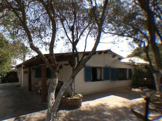Typical Tabarkinis' country house by the sea - Calasetta vacation rentals