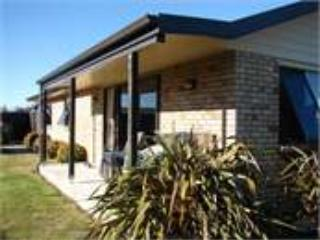 Earls Cottage- Te Anau Contemporary Cottage. - Te Anau vacation rentals