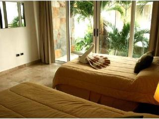 Best Price and Best location at Playa Del Carmen - Playa del Carmen vacation rentals