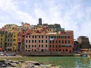 Campanin - modern, stylish apartment with amazing sea views - Vernazza vacation rentals