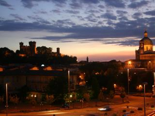 strategic position from Lake Garda breakfast and wi-fi included - Montichiari vacation rentals