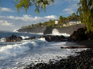 Luxury Oceanfront Villa  w/ Pool, Gym & Hot Tub! - Pahoa vacation rentals