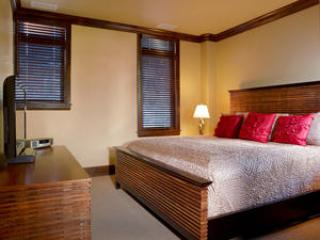Lion Square Lodge 2BR/2BA Mountain View Deluxe - Image 1 - Vail - rentals