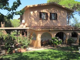 Villa Lilium, cozy house few steps from the beach - Pula vacation rentals