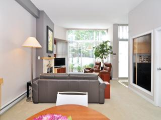 Downtown Vancouver 2 Bedroom Townhome Steps From the Seawall and Marina - Vancouver Coast vacation rentals