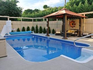 New Rental with Private Outdoor Pool only 3 blocks to downtown Manson - Manson vacation rentals