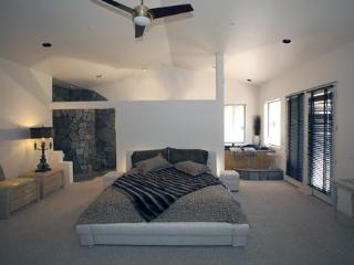 Calmada,  Gem in The Desert in Southern California - Pioneertown vacation rentals