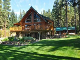 Picturesque Log Cabin on 5 Private Acres!  5BR, 3BA! Get FREE Summer Nights! - Cle Elum vacation rentals