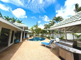 5BR Great Kahala Home,Pool,Tiki Bar,Near Beach - Kahala vacation rentals