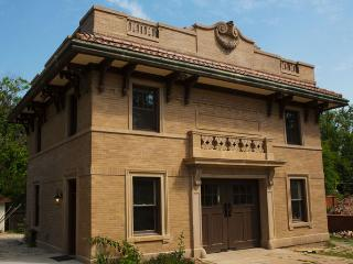 Migel Carriage House - Waco vacation rentals
