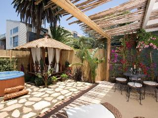 The Breeze Cottage in Venice Beach 1/2 block from the beach - Venice Beach vacation rentals