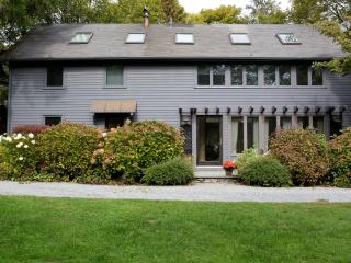 Carriage House Farm sleeps 7 and close to Newport Beaches - Middletown vacation rentals