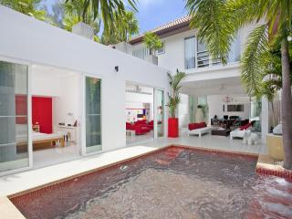 Pattaya - Majestic Design Villa 3BED - Ban Bueng vacation rentals