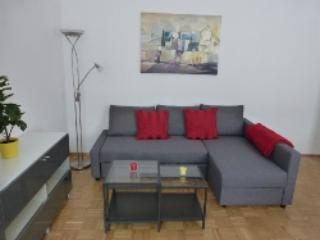 Vacation Apartment in Erlangen - 592 sqft, modern, central, cozy (# 4321) - Bavaria vacation rentals