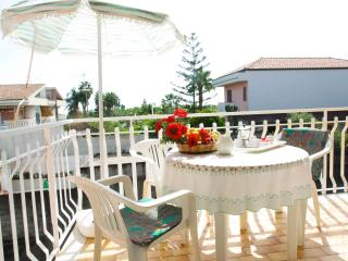 Vacanze Le Margherite - Apartment Mare - 4 people - Acireale vacation rentals