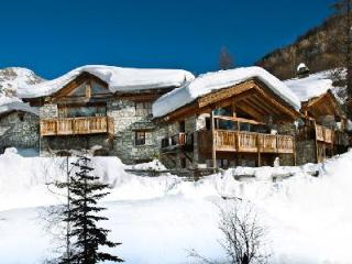 Chalet Le Mistral- Manchet Valley view, Ski-in/Ski out, 2 jacuzzis & staff - Rhone-Alpes vacation rentals