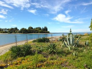 Kina Beachhouse - Nelson Holiday Home - Nelson-Tasman Region vacation rentals