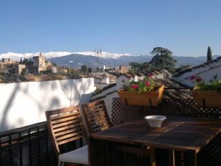 ALBAICÍN HOUSE PARKING FREE. ALHAMBRA VIEWS. WIFI - Province of Granada vacation rentals
