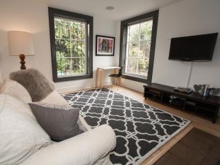 Beautiful garden apt. in sunny Inner Mission - San Francisco vacation rentals