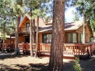 Picture perfect  - Fenced yard, Large cozy cabin, Chefs kitchen --- lots of space ---Great Price - Big Bear City - rentals