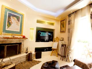 A Beautiful 4-Bedroom House in Marousi - Athens - Athens vacation rentals